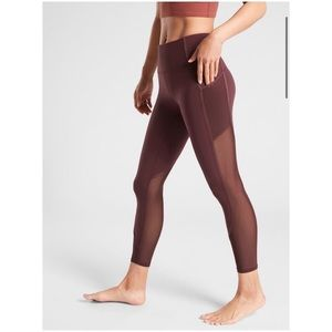 🆕 Athleta Vitality Stash Pocket 7/8 Tight